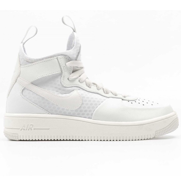 74dcaf0367ad Nike Air Force 1 Ultraforce Mid Summit White. M 5c735799bb76150656cba94a